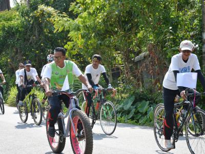 กิจกรรมปั่นจักรยาน ละลด เลิกบุหรี เพื่อสุขภาพ