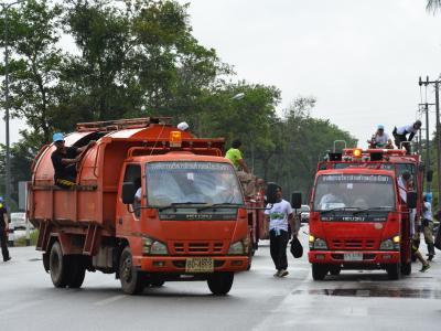 กิจกรรมล้างถนนกับบริษัทศรีตรังร่วมกับ อบต.