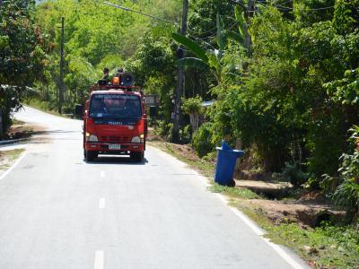 ลงประชาสัมพันธ์โรคโควิด19 ในพื้นที่ตำบลลุโบะบือซา