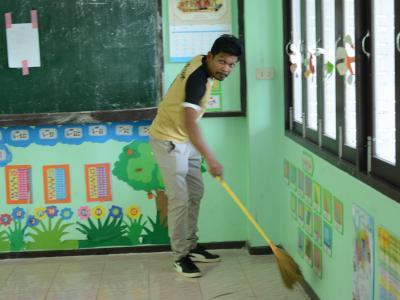 ทำความสะอาดศูนย์กักกันประจำตำบลลุโบะบือซา