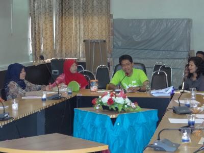 มูลนิธิไทย ปัตตานี จัดอบรมโดยใช้ห้องประชุม อบต ลุโบะบือซา