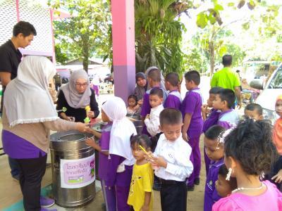 กิจกรรมเป็นประธานงานวันเด็กในตำบลลุโบะบือซา